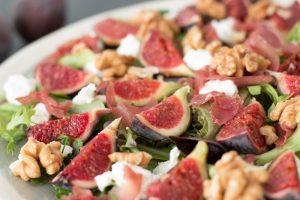 Read more about the article Salade de figues fraiches, chèvre et noix