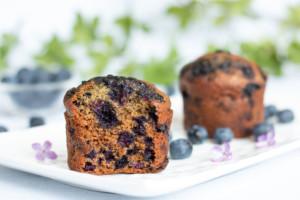 Read more about the article Muffins myrtilles à la compote et au son d'avoine