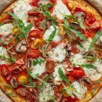 Pizza avec pâte au chou-fleur