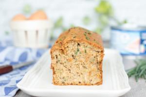 Cake au thon, échalote et ciboulette